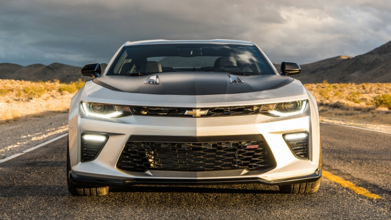 The flawless 2017 Chevrolet Camaro 1LE comes with a V-6 or a V-8!
